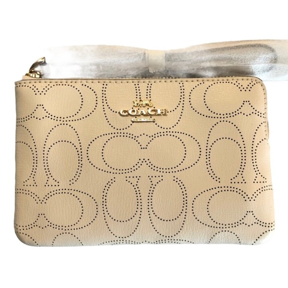 NWT Coach Corner Zip Wristlet in Signature leather